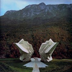 ONCE UPON A TIME IN YUGOSLAVIA - Sutjeska monument