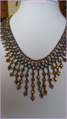 swarovski - Makramee World 2020 Seed Bead Necklace, Seed Bead Jewelry, Bead Jewellery, Necklace Types, Beaded Earrings, Beaded Jewelry Designs, Handmade Beaded Jewelry, Swarovski Jewelry, Diy Necklace Patterns