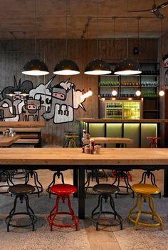 İstanbul'un en iyi burger mekanları ! - 2 | Mahmure Öneriyor | Mahmure Yaşam Deco Restaurant, Burger Restaurant, Restaurant Concept, Cafe Bar, Cafe Bistro, Bar Interior, Restaurant Interior Design, Coffee Shop Design, Cafe Design