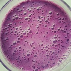 blueberry smoothie made with lactose-free yoghurt and xylitol #recipe #noaddedsugar