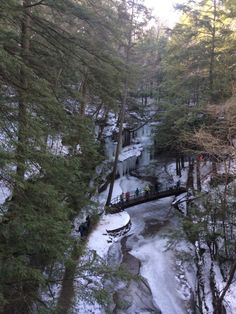 Winter Hike in Ohio's Hocking Hills State Park! Frozen waterfalls, gorgeous scenery and a super fun family event!