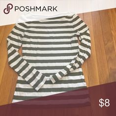 Long sleeve shirt Banana Republic size small long sleeve green and cream striped shirt Banana Republic Tops Tees - Long Sleeve