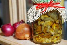 Huby v sladkokyslom náleve Slovak Recipes, American Kitchen, Preserves, Pickles, Frozen, Cooking Recipes, Cheese, Homemade, Canning
