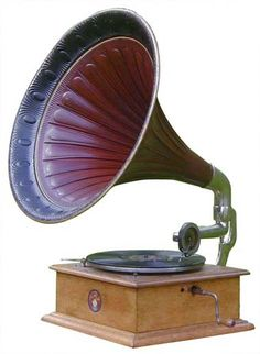 Old Record Player, Turntable Record Player, Record Players, Antique Music Box, Radios, Music Machine, Purple Rooms, Audio Room, Phonograph
