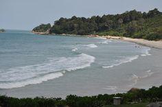 Waves on the beach BintanIndonesia [2144x1424] [OS] [OC]