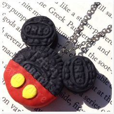 Mickey Mouse Inspired Oreo Necklace ($15) ❤ liked on Polyvore featuring jewelry, necklaces, mickey mouse jewelry and mickey mouse necklace