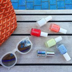 @cohen453 makes for the perfect 'peach side babe' with her essie summer, sunnies, and new essie gel.setter! #essielove