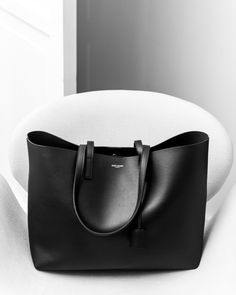 8018ffdf1f58 Shopping cabas by Saint Laurent Paris - Département Féminin  saintlaurent   shoppingcabas  tote