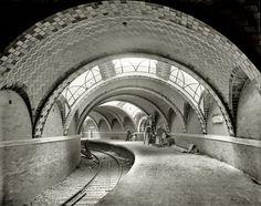 "New York circa 1904. ""City Hall subway station."" 8x10 inch dry plate glass negative, Detroit Publishing Company."