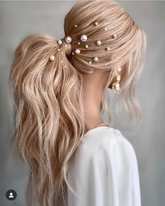 Wedding Hairstyles For Long Hair, Pretty Hairstyles, Messy Ponytail Hairstyles, Voluminous Ponytail, Fashion Hairstyles, Bridal Hairstyles, Bridal Ponytail, Curly Hair Styles, Natural Hair Styles