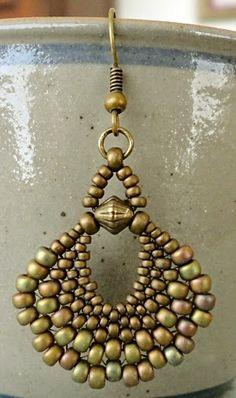 Linda's Crafty Inspirations: Peyote Fan Earrings