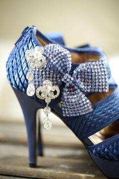 Amazing detail | Photographer: Caroline Tran Photographer #blue