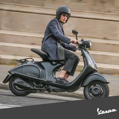 Elegance is a state of mind.  http://946.vespa.com/  #Vespa #EAVespa