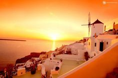 FREE cancellation on select hotels ✅ Bundle Santorini flight + hotel & 𝘀𝗮𝘃𝗲 up to off your flight with Expedia. Build your own Santorini vacation package & book your Santorini trip now. Imerovigli Santorini, Santorini Travel, Santorini Island, Greece Travel, Santorini Tours, Places To Travel, Places To See, Travel Destinations, Week End En Amoureux