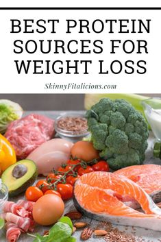 Protein reduces hunger and keeps blood sugar stable making it ideal for weight loss. These are the Best Protein Sources to lose weight. Healthy Low Calorie Meals, 1200 Calorie Diet, Healthy Food List, Low Calorie Recipes, Healthy Eating, Healthy Recipes, Free Recipes, Clean Eating, Good Protein Foods