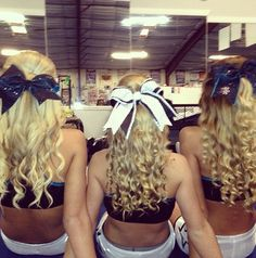 i love there hairstyles!im so gonna have to do this for cheer Cheer Hair, Cheer Bows, Cheerleading Workouts, Cheerleading Hair, Ponytail Hairstyles, Cute Hairstyles, Curled Ponytail, Hair Ponytail, Cheer Makeup