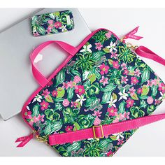 Love these Lilly Pulitzer tech accessories!