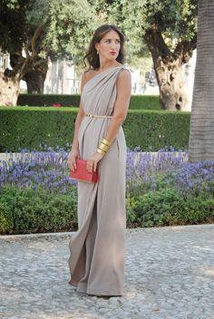 #Invitadas #weddingguest #fashionsouth. AntonioGarcia