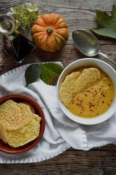 Sültzöldség-krémleves sajtropogóssal Hummus, Ethnic Recipes, Food, Essen, Meals, Yemek, Eten