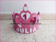 EL TALLER DE LUZ MARIA: CORONA DE GOMA EVA PARA CUMPLEAÑOS Minnie Mouse, Irene, Ideas Para, Lunch Box, Crafts, Medieval, Baby, Feltro, Infant Crafts