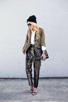 The outfit with khaki jacket in 80 photos. The best ideas to bite without delay - Mode et Beaute Sparkle Outfit, Sequin Outfit, Sequin Pants, Glitter Outfit, New Years Dress, New Years Eve Outfits, Army Jacket Outfits, Military Jacket, Look Fashion