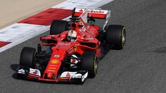 GP Bahrein Vettel na frente, Raikkonen. F1 2017, Ferrari F1, Formula 1, F1 Season, Car, Sport, Animals, Free Workout, Automobile