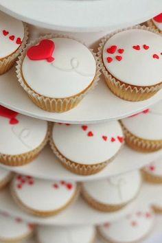 Stunning Views: Hearts Cupcakes