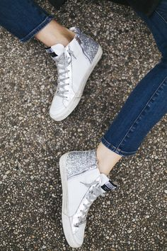 After spotting a pair of glittery high top sneakers, I was sold on the finding a pair for myself. Check out the Gold Goose pair I can't stop wearing. Cute Sneakers, Casual Sneakers, Cute Shoes, High Top Sneakers, Adidas Sneakers, Grunge Outfits, Grunge Fashion, Galaxy Converse, Converse Style