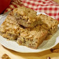🐥Sweet Alabama Pecan Bread😋 Pecan Bread Recipe, Pecan Recipes, Best Cake Recipes, Bread Recipes, Sweet Recipes, Cooking Recipes, Favorite Recipes, Quick Recipes, Quick Snacks