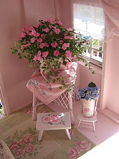 Cathy Scalise pink cottage interior design