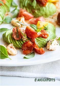 Fresh Avocado, Ripe Avocado, Avocado Oil, Oven Dried Tomatoes, Marinated Tomatoes, Caprese Recipe, Caprese Salad, Fresh Basil Leaves, Tomato And Cheese