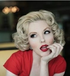 Blonde Bombshell with Red Lips #Old #Hollywood