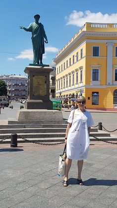 Visiting my hometown, Odessa Ukraine 50 Fashion, Fashion Tips, Odessa Ukraine, Black Sea, Other Woman, Beach Club, Famous Artists, Of My Life, Night