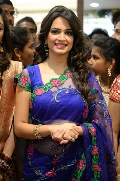 Kriti Kharbanda Hot Blue Saree At Kalamandir New Showroom Launch Kriti Kharbanda Hot, Kriti Kharbanda Saree Stills, Kriti Kharbanda Hot Stills in Blue Saree, Beautiful Girl Indian, Most Beautiful Indian Actress, Beautiful Saree, Beautiful Models, Beautiful Celebrities, Indian Beauty Saree, Indian Sarees, Beauty Full Girl, Beauty Women