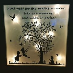 - Quilling Deco Home Trends Cricut Picture Frames, Box Picture Frames, Box Frames, Frame Crafts, Diy Frame, Diy Arts And Crafts, Paper Crafts, Christmas Front Doors, Lighted Canvas