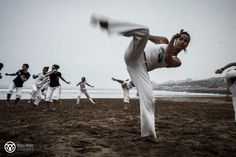 Capoeira on the beach in Morocco   (Copyright © 2012 Niklas Möller)