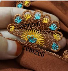 This Pin was discovered by HUZ Crochet Borders, Crochet Lace, Crochet Stitches, Crochet Patterns, Saree Tassels, Different Stitches, Thread Jewellery, Needle Lace, Thread Work