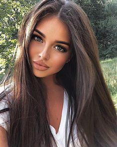 hair beauty - Gorgeous Hair Color Idea That Will Inspire You Love this look > NaturalLooking hairstyles haircolor hair brownhair Brunette Beauty, Brunette Hair, Hair Beauty, Beauty Makeup, Brunette Makeup, Pretty Girls Brunette, Perfect Brunette, Stunning Brunette, Blonde Wig