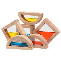 Estos bloques sensoriales tienen agua en su interior para fomentar el juego y la interacción en los niños más pequeños