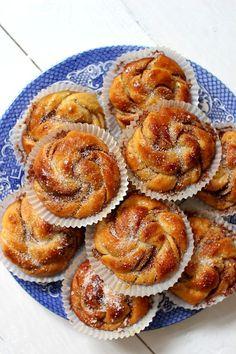 Wicked sweet kitchen: Kanelipullat Food Inspiration, Shrimp, Wicked, Baking, Sweet, Desserts, Kitchen, Recipes, Food Ideas