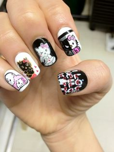 Halloween Hello Kitty Nails