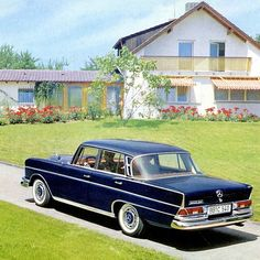 Mercedes 220 W111 Heckflosse (fin tail).