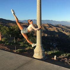 The Rybka Twins board Amazing Gymnastics, Gymnastics Videos, Gymnastics Pictures, Dance Pictures, Flexibility Dance, Gymnastics Flexibility, Acrobatic Gymnastics, Acro Dance, Dance Poses