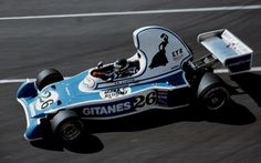 Jacques Laffite🇫🇷 racing the Ligier at the 1976 United States Grand Prix West on the streets of Long Beach. The car became known for the unusually large airbox it ran for the start of earning it the nickname 'Teapot'. Long Beach, Clay Regazzoni, Spanish Grand Prix, Matra, Formula 1 Car, F1 Racing, Race Cars, Ferrari, Laffite