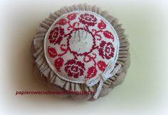 To co robię i co lubię: Igielnik-mój pierwszy haft krzyżykowy i moje pierwsze szycie