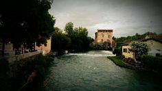 Borghetto Gardasee Mansions, House Styles, Decor, Lake Garda, Vacation Travel, Photo Illustration, Mansion Houses, Decorating, Villas