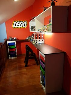 19 Unique Toy Storage Ideas for Kids Playroom Bedroom & Small Space Living Room 2019 .also check out the Lego storage organizer - launching soon on Kickstarter Table Lego, Lego Desk, Lego Storage, Kids Storage, Storage Ideas, Lego Table With Storage, Living Room Toy Storage, Lego Room Decor, Small Space Living Room