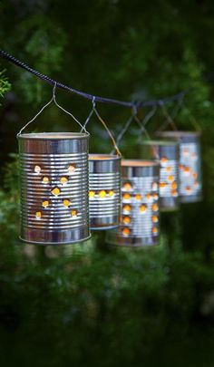 Näin säilyketölkistä syntyy lyhty | Kodin Kuvalehti Tack, Wind Chimes, Wedding Decorations, Outdoor Decor, How To Make, Home Decor, Tin Cans, Homemade Home Decor, Interior Design