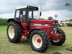 IH 1255 International Tractor | International 1255 foto's - Pagina 8 Case Ih Tractors, Farmall Tractors, Old Tractors, John Deere Tractors, International Tractors, International Harvester, Combine Harvester, Classic Tractor, Vintage Tractors