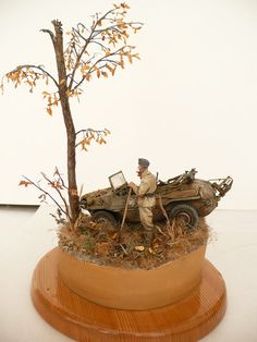Dioramas and Vignettes: Hello Tree..., photo #1